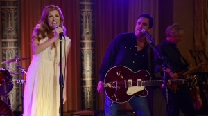 Nashville_Rayna&Deacon